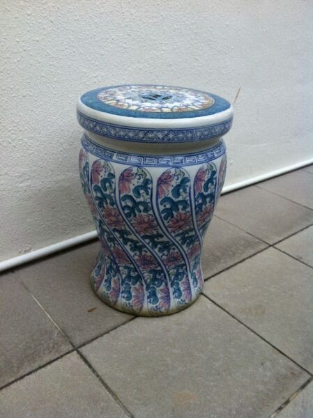 Ceramic flower pot stand or seat.   In good condition. Dimension 42 height x 25cm diameter.