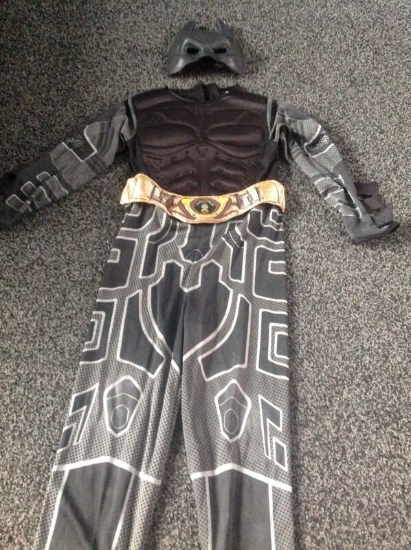 Marvel superhero batman costumein Denton, ManchesterGumtree - Marvel superhero batman costume, complete with mask and removable cape ( forgot to picture ) fits aged 6 8 years . Cash on collection only thanx