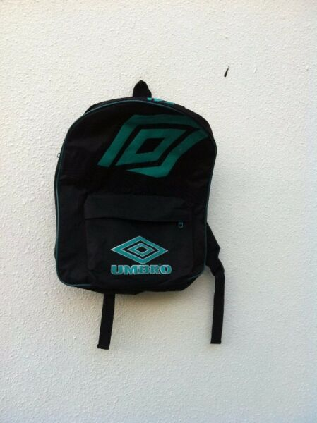 Umbro haversack. Hardly use and in good condition.