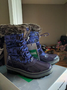 Girls Size 6 (Youth) Cougar Waterproof Winter Boots, New in Box London Ontario image 3