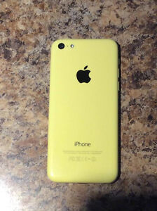Iphone 5C 8GB (comme neuf activation avril 2015)