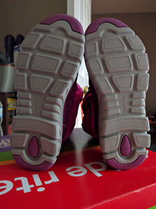 Size 1 Girls Stride Rite Winter Boots, New in Box London Ontario image 4