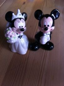 Minnie and Micky salt and pepper shakers