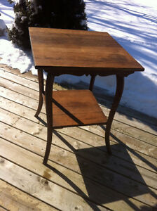 Antique End Table (Walnut)