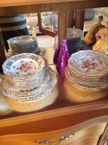 Vaisselle de porcelaine ajourée (dentelle) Marque: DRESDEN