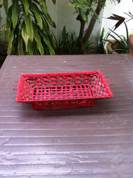 Red tray rattan basket. Dimension 40 x 20 x 19. In good condition.