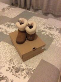 Infants Ugg boots size 7