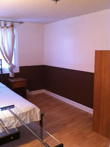 clean furnished room ,propre et meublé centre villeGatinea Hull