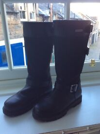 Size 4 walking boots