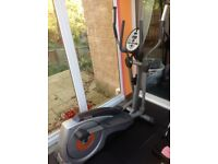 Get fit - York X302 Cross Trainer