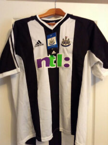 Newcastle United EPL Football 'Home' Jersey, size Large