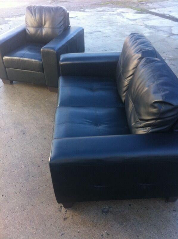 Stunning 2+1. Black leather sofa