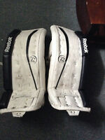 Youth hockey Reebok Goalie Pads