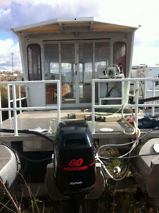 37 ft Tripoon Boat With Closed in Cabin