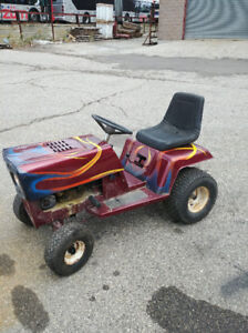 7.5 HP Lawn Tractor