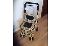 Shopping trolley / seat rest