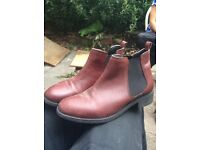 Size 5 Dorothy Perkins Chelsey boots burgundy great condition!