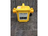 Transformer 1KVA very portable lightweight BRAND NEW ( can deliver)
