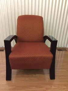 2 chairs in perfect condition. 2 chaises en parfaite condition. Gatineau Ottawa / Gatineau Area image 2