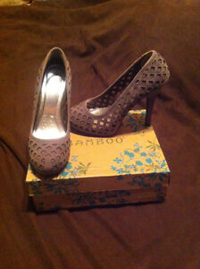 Like New Ladies Shoes