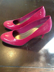 Comfort Plus By Predictions Pink 3 Inch Heel Kingston Kingston Area image 1