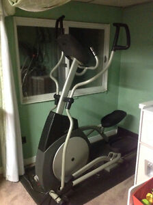 Horizon EX77 elliptical trainer for 650$