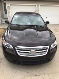 Lowest Price! 2013 AWD Ford Taurus Fully Loaded!!!