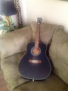LIKE NEW BLACK YAMAHA ACOUSTIC GUITAR