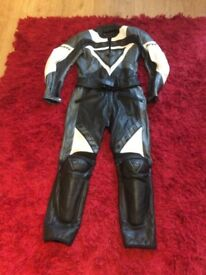 Dainese 2 piece leathers