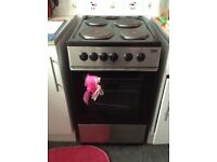 Nearly new oven