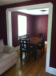 NICE HOUSE FOR RENT near UdeM on ELMWOOD Dr. (all included)