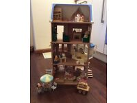 Sylvanian families (shop, house, cake shop) with accessories