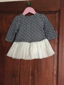 Gorgeous gap dress aged 6 to12 months