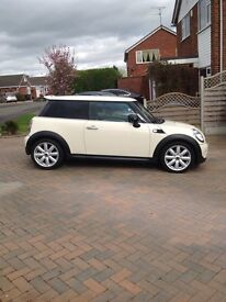 Mini Cooper S 1.6 hatch cream cat D
