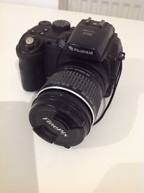 Fuji slr camera S9500 FinePix