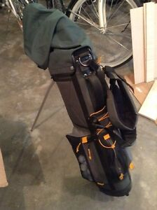 Childs golf clubs and bag
