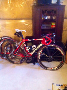 Cervelo full carbon soloist+2 sets of Zipp 404's+1 set of easton
