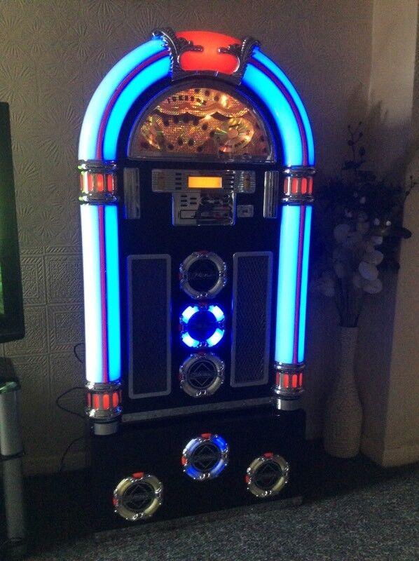 STEEPLETONE CD ROCK ZERO 50 JUKEBOX MACHINE WITH PLYNTH