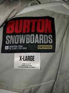 New burton snowboard/ski jacket. XL St. John's Newfoundland image 2