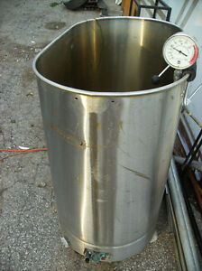 Handy Stainless Steel Tub With Drain Valve $80.00 obo Kawartha Lakes Peterborough Area image 1