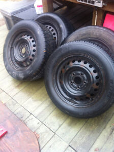 Like New Winter Tires & Rims 5x114.3x16'' James (514) 991-3317