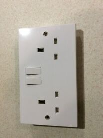 Electric sockets 5nr of good working order