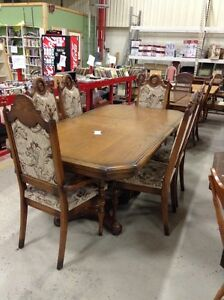 Buy Or Sell Dining Table Sets In Muskoka Furniture Kijiji Classifieds