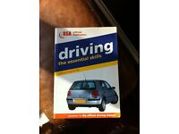 Book : driving the essential skills