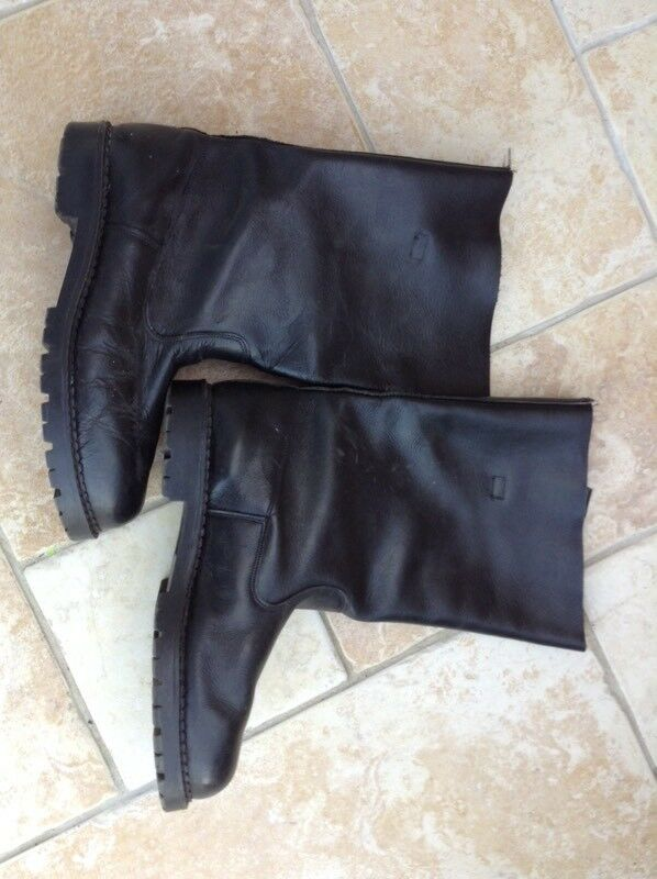 Motorcycle boots, crash helmet and gloves