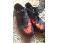 Nike Hypervenom black size 8 Football Boots