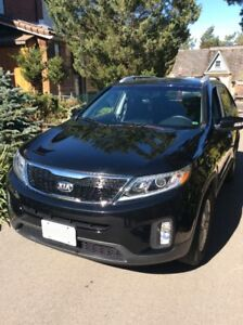 Kia Sorento SUV Low miliage like new for sale