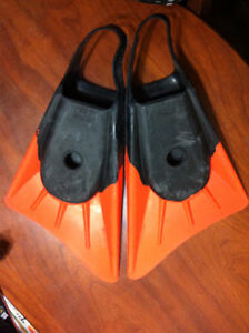 Stealth classic adult size flippers