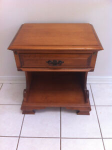 Roxton Solid Maple Night Table Side Table with Drawer (WASAGA)