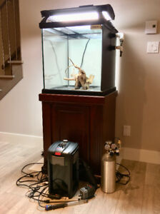 Complete quality aquarium ready for freshwater or reef setup.